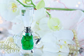Perfume and Pearls — Stock Photo