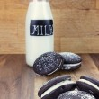 Whoopie Pies or Moon Pies and Milk — Stock Photo