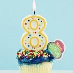 ottavo cupcake compleanno — Foto Stock #5341206