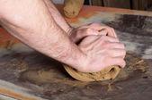 職人の粘土陶器のワーク ショップの準備 — ストック写真