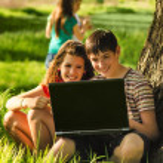 Teenagers having fun in the nature — Stock Photo
