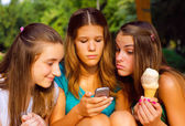 Three teenage girls having fun outdoor — Stock fotografie