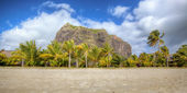 Beautiful beach on Mauritius — Stock Photo