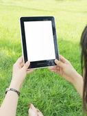 Tablet pc ruka — Stock fotografie