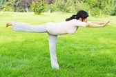 Evenwicht vrouw — Stockfoto