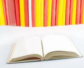 Açık kitap yakın çekim — Stok fotoğraf