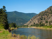 Wide Mountain River Cuts a Valley - Clark Fork River Montana USA — Stock Photo