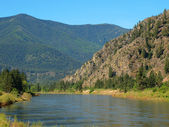 Wide Mountain River Cuts a Valley - Clark Fork River Montana USA — Stockfoto
