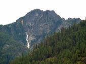 Glacial Mountains Overlooking Lake Chelan in Washington State USA — Stock Photo