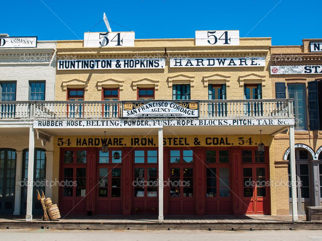 a Vintage Building — Photo