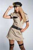 Kobieta noszenia stroju policjanta — Zdjęcie stockowe