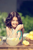 Old fashioned lemonade stand — Stock Photo