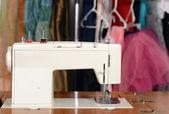 特写旧老式的缝纫机 — 图库照片