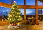 árbol de navidad en casa moderna — Foto de Stock