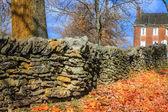 Recinzione in pietra — Foto Stock
