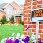 Yard sale — Stock Photo
