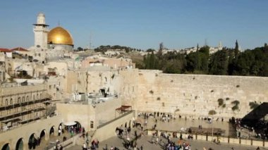 Dome of the Rock and the Western Wall in Jerusalem — Stock Video
