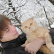 Man with Scottish Fold cat — Stock Photo