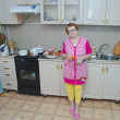Senior woman in kitchen — Stockfoto