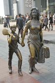 SHANGHAI, CHINA-15 OKT.2013 Bronze statue — ストック写真