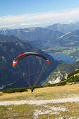 Paragliding in the mountains — Stock Photo