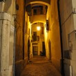 Narrow alley in Verona at night  — Stock Photo