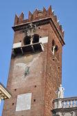 Piazza delle erbe, torre di verona — Foto Stock