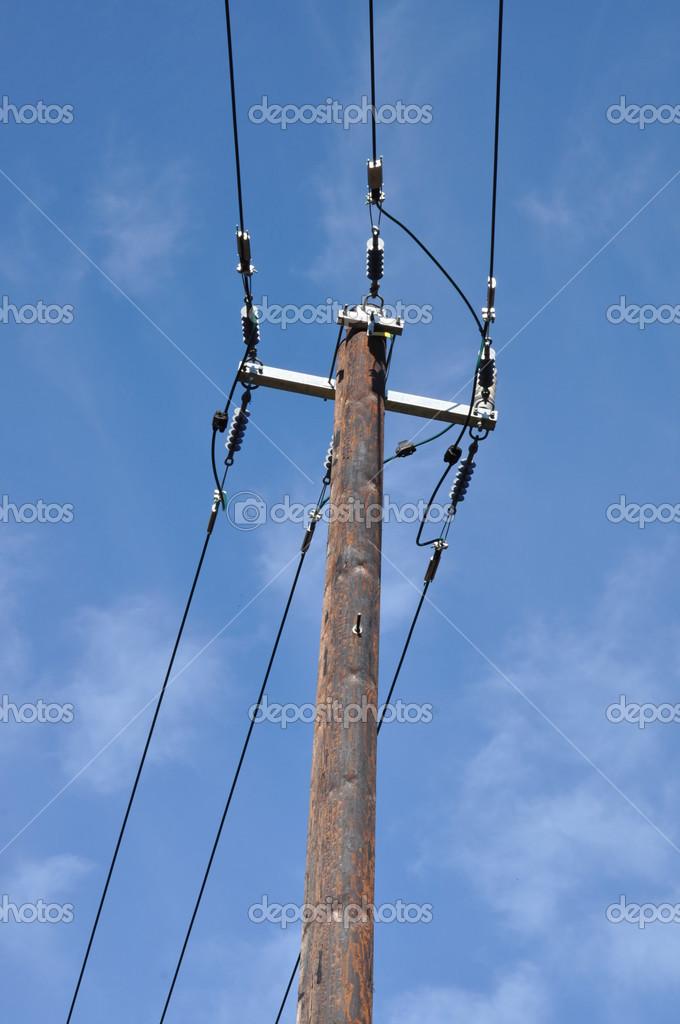 Dřevěné sloupy elektrického vedení