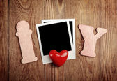 空白的即时图片和红色的心 — 图库照片