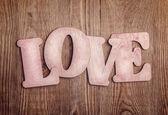 En bois lettres formant le mot amour — Photo