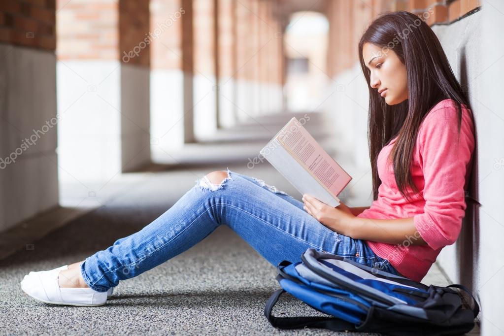 西班牙裔美国人大学生学习