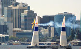 A plane doing a maneuver at the red bull air race in perth, australia — Stock Photo