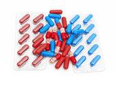Macro de comprimidos médicos isolado no fundo branco — Foto Stock