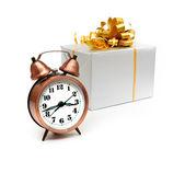 レトロな時計をプレゼントします。 — ストック写真