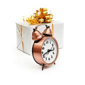 Retro zegar z prezentuje — Zdjęcie stockowe