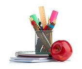 Caixa de lápis com equipamento escolar — Foto Stock