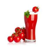 Jugo de tomate aislado sobre fondo blanco — Foto de Stock