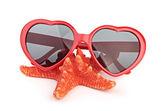 Estrella de mar y sungasses — Foto de Stock
