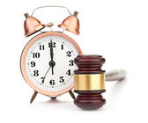 Gavel and old clock — Stock Photo