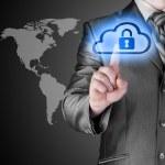 concetto di elaborazione cloud online sicuro con un uomo d'affari — Foto Stock