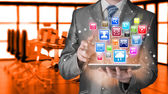 Geschäftsmann mit tabletpc — Stockfoto