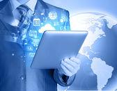 Using tablet PC — Stockfoto