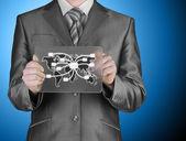 Hombre de negocios distribuir correo digital — Foto de Stock