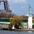 Statue of liberty and Eiffel tower in Paris — Stock Photo #2511829