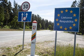 Lithuania country border sign — Stockfoto