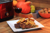 Steak with potatoes and wine — Stock Photo