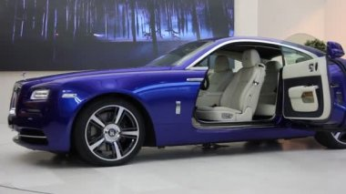 Supercar Rolls Royce Wraith — Stock Video