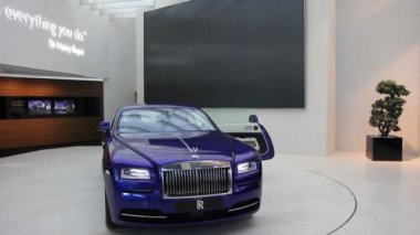 Supercar Rolls Royce — Stock Video