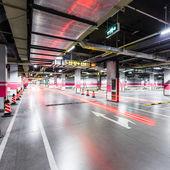 地下駐車場空 — ストック写真
