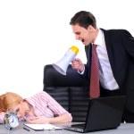 šéf řval na žena zaměstnance — Stock fotografie